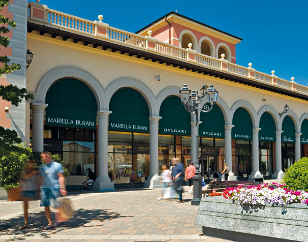 Outlets in italy fingen spa for Serravalle italy